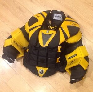 Goalie chest protector  - Junior L, Reebok 5k (Koho) London Ontario image 1