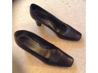 Carvela shoes size 39