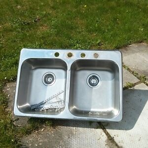 Double sink - lavabo double