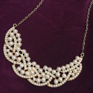 Pearl statement necklace  Oakville / Halton Region Toronto (GTA) image 1