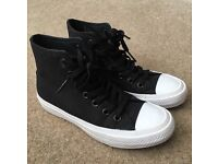 Black And White Converse Size 4