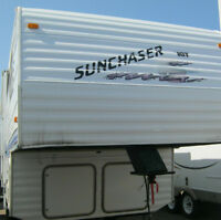 1999 SUNCHASER 25' 5TH WHEEL