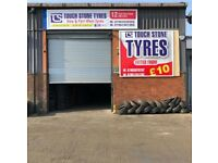 Tyre shop 275 40 20 216 50 17 215 60 17 225 55 17 225 50 17 245 35 21 NEW & USED TYRES TIRES