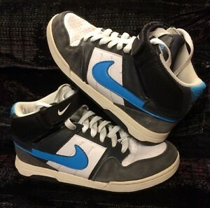 Like New! Youth Nike Mogan 6.0 Mid II Skateshoe, Size 6 Youth
