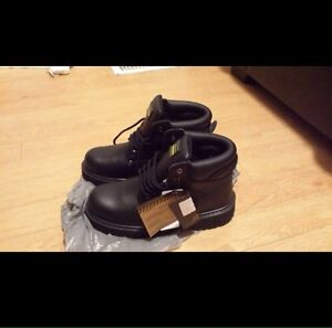 Brend  new safety shoes  Cambridge Kitchener Area image 2