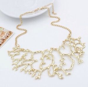 Brand new gold coral necklace. Beautiful statement necklace Kitchener / Waterloo Kitchener Area image 3