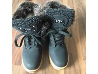 Ugg winter boots size 5
