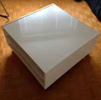 Table basse IKEA BOKSEL blanche