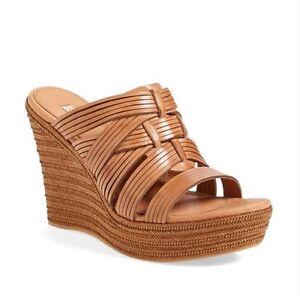 Brand new Size 5 Ugg 'Melinda' Sandals
