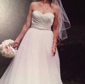 Alfred sung wedding gown size 6-8 dress size  Peterborough Peterborough Area image 3