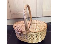 Rattan / wicker style picnic basket