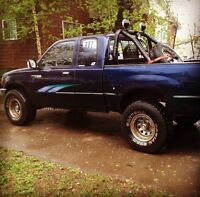 1995 t100 4x4 $2750  .. OR TRADE SUV NO FORDS-CHEV-DODGE ....