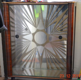 Display Cabinet - Art Deco style, Mirror Back, x3 Glass Shelves