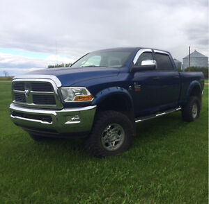 2011 Dodge 3500 Slt Low km!!