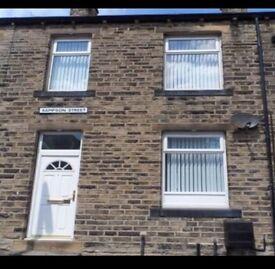 2 bedroom house to let rent LIVERSEDGE WF15