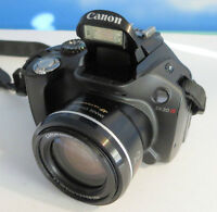 Canon SX30IS Superzoom Digital camera with extras!