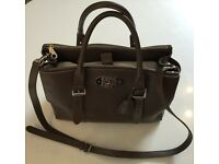 Mulberry Bayswater Double Zip Tote in Taupe Shiny Goat
