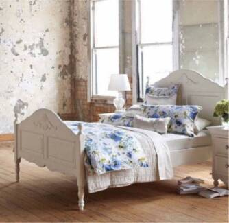 BRAND NEW WHITE FRENCH HAMPTONS STYLE QUEEN SIZE BED FRAME