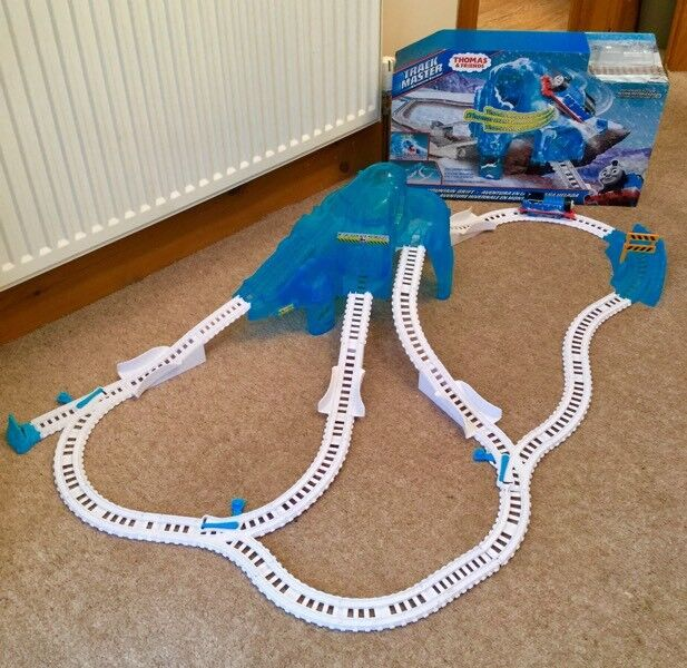 Thomas and Friends TrackMaster Icy Mountain Drift play set