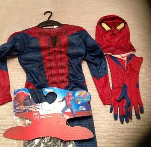 Costumes spider man size 8 and Hula