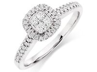 18ct White Gold Diamond Ring. Beautiful Sparkle SI1 Clarity