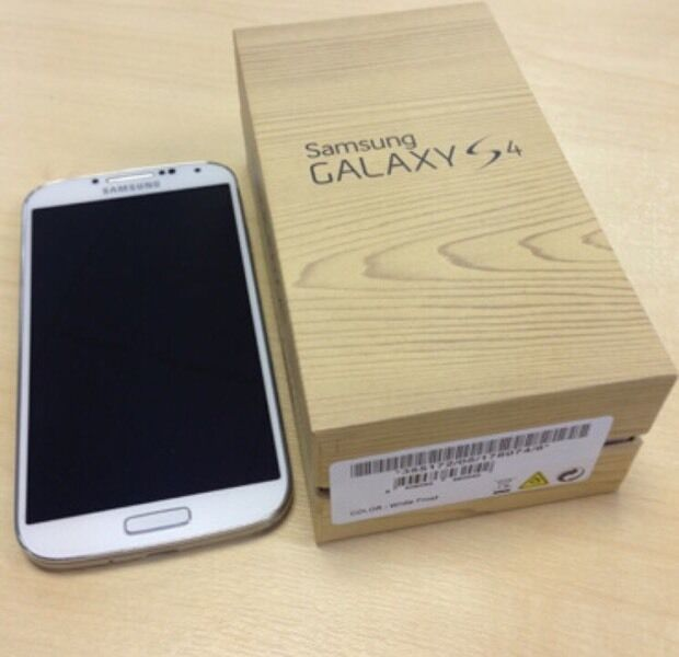 Samsung s4 unlocked in mint condition100in Sparkhill, West MidlandsGumtree - Samsung s4 unlocked too all networks. The phone is in 16gb and comes with box and chargerThe phone is in mint condition with no marks and works goodCollection from home address or may also deliver£100 no offers