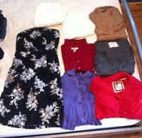 WOMANS LOT OF CLOTHES