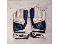 New Sondico Kids Boys Match Goalkeeper Gloves Football Training Size 4 BWT A321