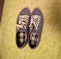 Size 6 Women's Fred Perry Sneakers
