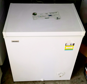 145lt chest freezer hisense brand CALLS ONLY   2 yrs old Blacktown Blacktown Area Preview