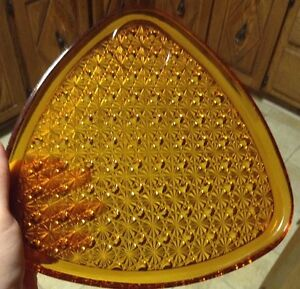 VINTAGE INDIANA GLASS DAISY & BUTTON AMBER SNACK FOR 3 Gatineau Ottawa / Gatineau Area image 5