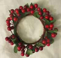 Red Pip Berry Candle Ring