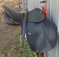 Synthetic Wintec English Saddle