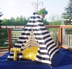 Teepee tipi wigwam play tent nautical style black and white Downtown-West End Greater Vancouver Area image 7