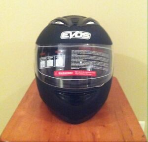 Motorcycle Helmet - Brand New - DOT Approved - L -  5 REMAINING