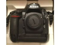 Nikon D2X Body (boxed with all accessories) - very low shutter count