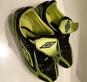 UMBRO Soccer Shoes - Football Cleats Size 2 Youth