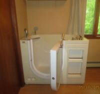 Walk in bathtub ( reduced price) $1000 off