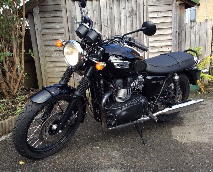 Triumph Bonneville T100 Black 2014 7100 Miles 5200 Ovno In