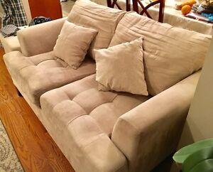 3 micro suede couches with ottamon Gatineau Ottawa / Gatineau Area image 3