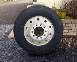 Truck Tire and Aluminum Rim