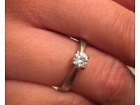 18 carat gold engagement ring ( CLIVE RANGER)