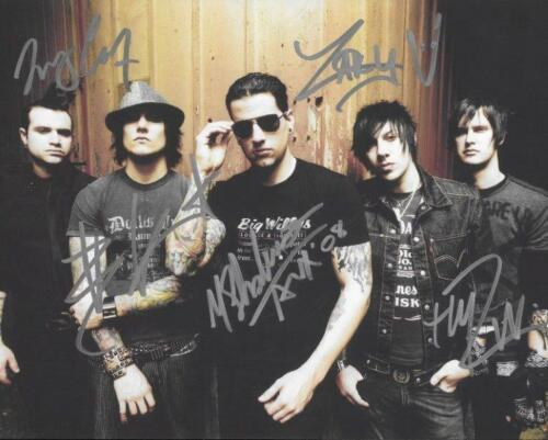 REPRINT - AVENGED SEVENFOLD Autographed Signed 8 x 10 Photo Poster Guitar