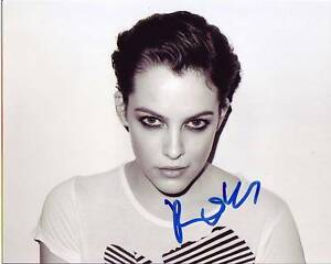 RILEY-KEOUGH-Signed-Photo-w-Hologram-COA-GRANDDAUGHTER-OF-ELVIS-PRESLEY