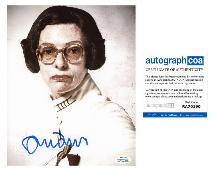 "Tilda Swinton ""Snowpiercer"" AUTOGRAPH Signed 8x10 Photo B ACOA"