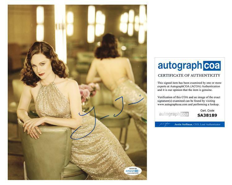 "Laura Linney ""Ozark"" AUTOGRAPH Signed 8x10 Photo ACOA"