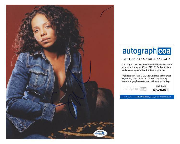 "Sanaa Lathan ""Blade"" AUTOGRAPH Signed 8x10 Photo ACOA"