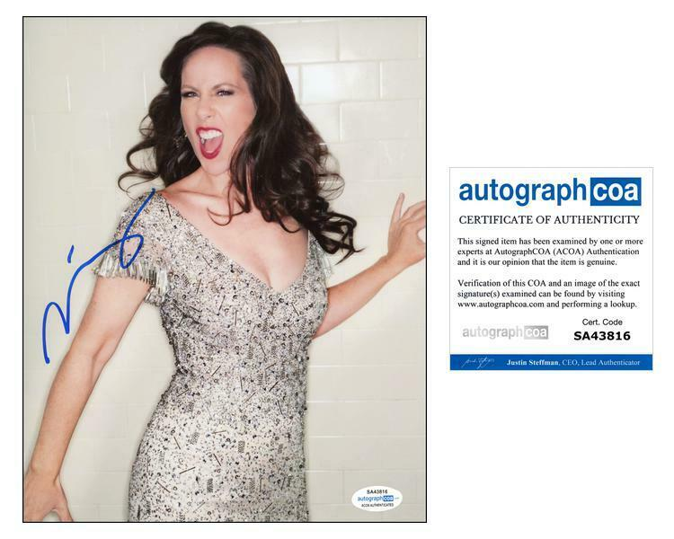 "Miriam Shor ""Younger"" AUTOGRAPH Signed 8x10 Photo C ACOA"