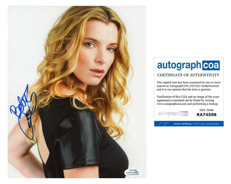 "Betty Gilpin ""Glow"" AUTOGRAPH Signed 8x10 Photo E ACOA"