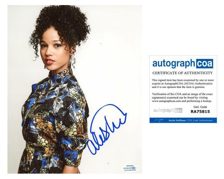 "Alisha Wainwright ""Raising Dion"" AUTOGRAPH Signed 8x10 Photo ACOA"